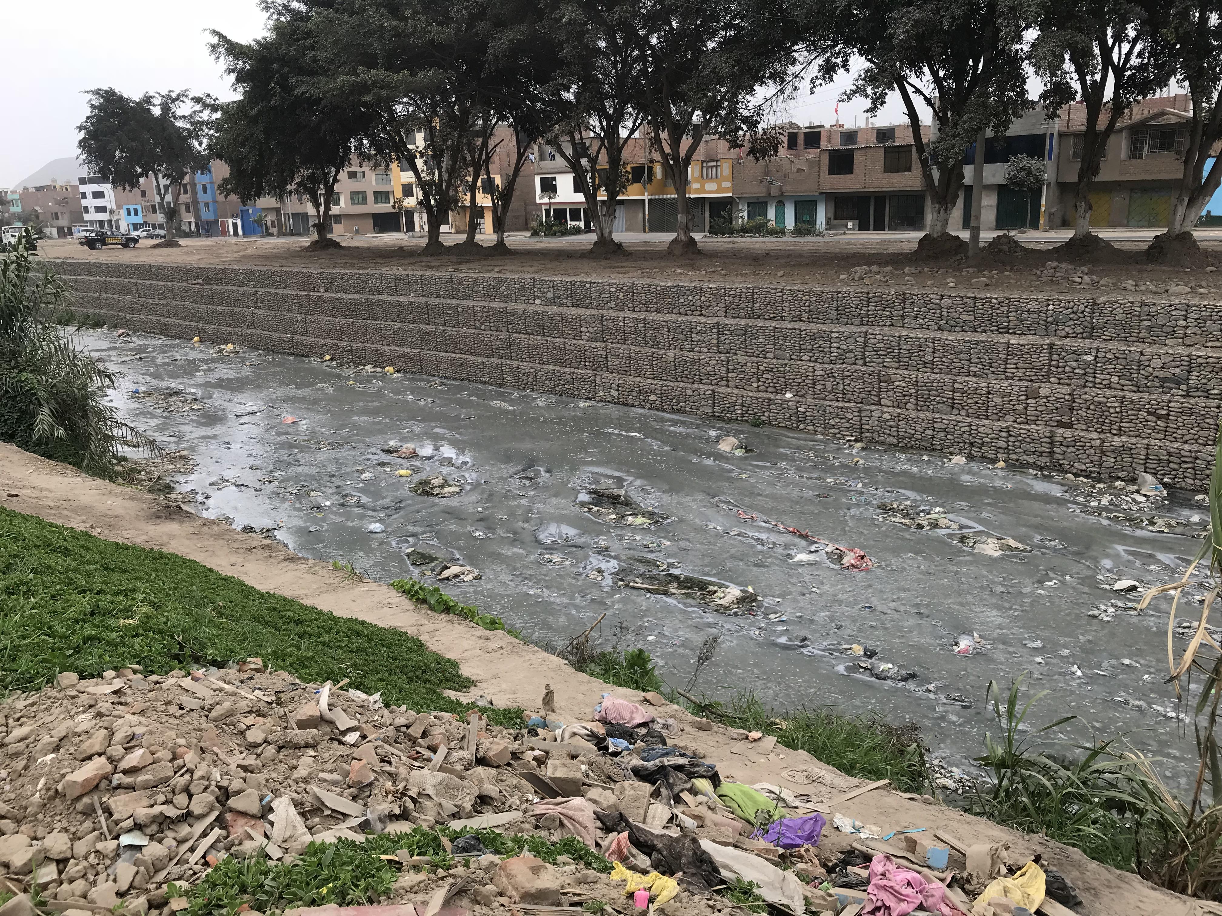 Los ríos de Lima Metropolitana, dependencia y contaminación